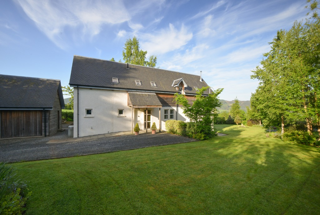Faire Mhor , Pitlochry , Perthshire , PH16 5JW